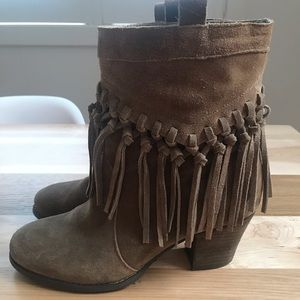 Sbicca Suede Fringe Ankle Booties Size 8